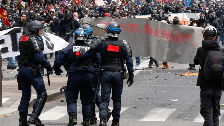 الشرطة الفرنسية تتراجع عن منع مظاهرة ضد اصلاح قانون العمل