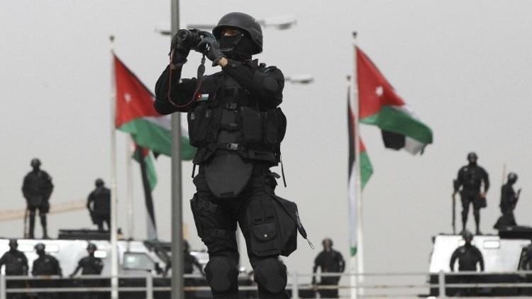 إصابة 3 من الأمن الأردني بأعيرة نارية