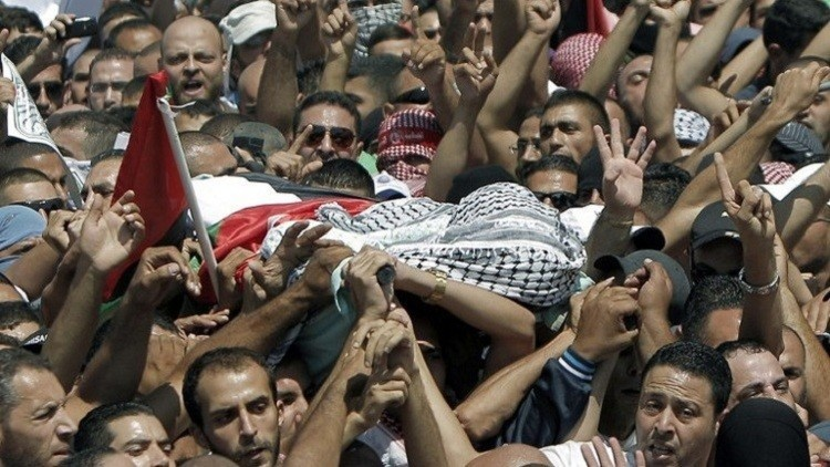 الآلاف يشيعون فتى فلسطينيا قتله الجيش الإسرائيلي
