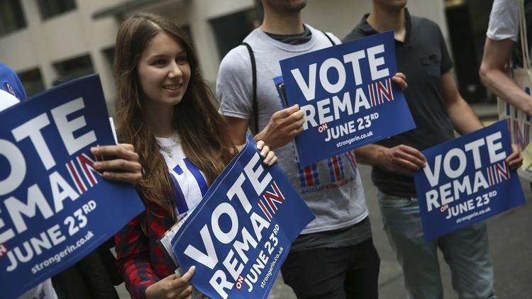 البريطانيون يفضلون البقاء في الاتحاد الأوروبي