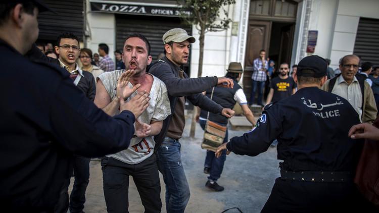 جرحى واعتقالات في مدينة عنابة الجزائرية