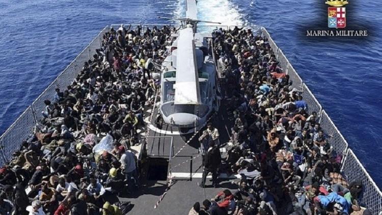 إيطاليا تنقذ أكثر من 3300 مهاجر في أسبوع