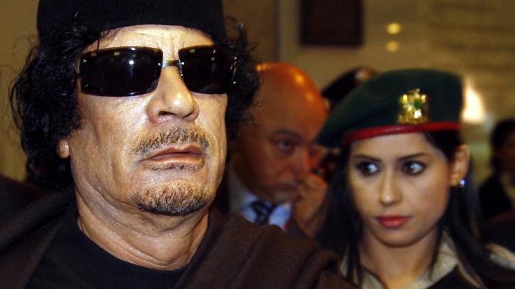 وصيفة حارسات القذافي تكشف سبب اختياره الإناث لحمايته