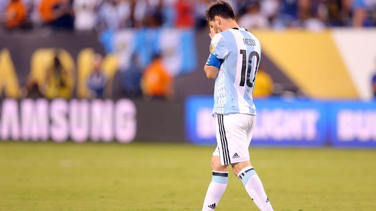 ميسي يعتزل دوليا بعد خسارة الأرجنتين في