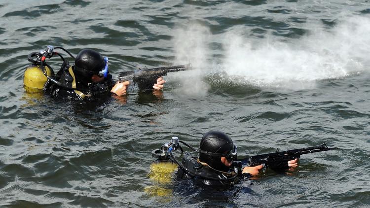 تدريب ضد الضفادع البشرية في الأسطول الروسي