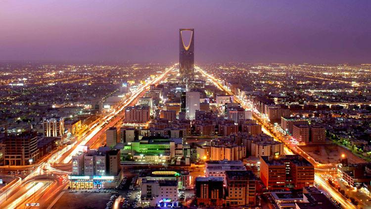 مئات الفرنسيين عالقون في السعودية وسط صمت باريس