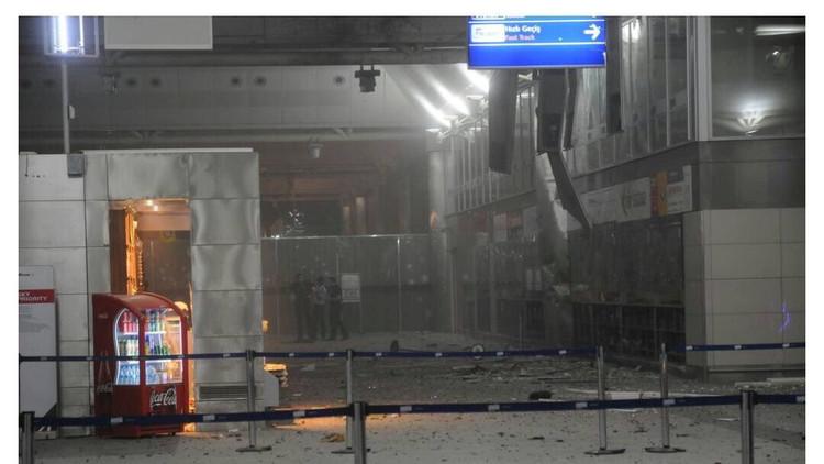 تفاصيل الهجوم على مطار أتاتورك وإفادات الشهود