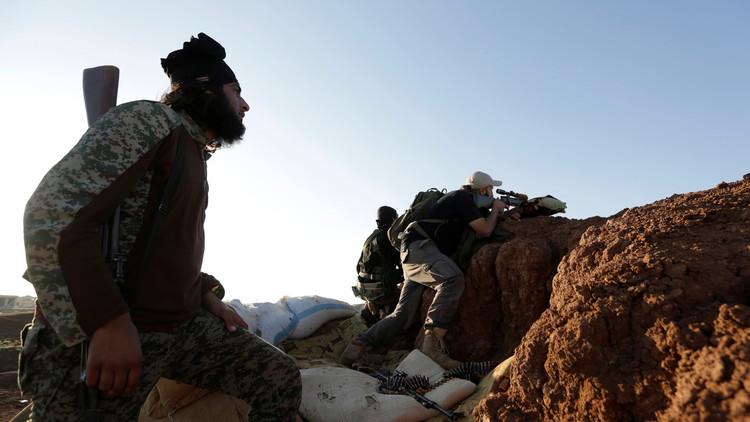 داعش يستعيد مجددا مطار البوكمال من المعارضة