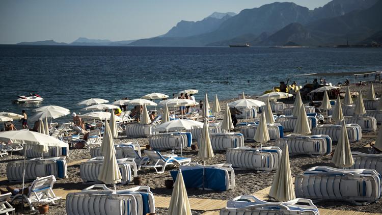 تفجيرات أتاتورك ضربة موجعة للسياحة في تركيا