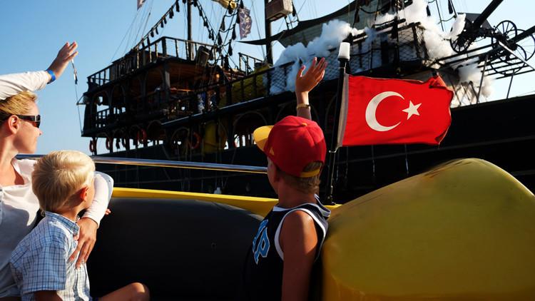 روسيا تهدي إكسير الحياة للسياحة التركية