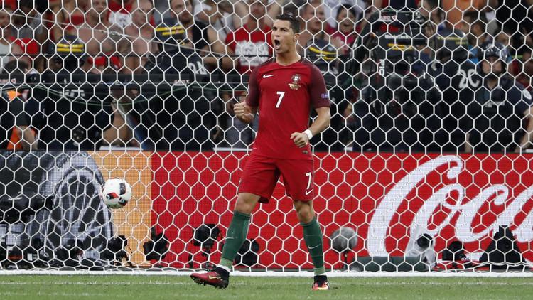البرتغال إلى المربع الذهبي لـ