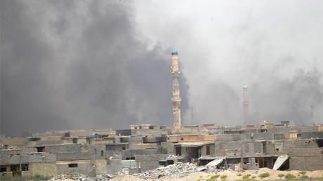 مقاتلي داعش يأسروا آلاف حاولوا 575fdc2bc36188274c8b458b.JPG