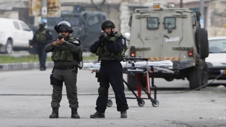 مقتل فلسطينيين في الخليل وقلنديا