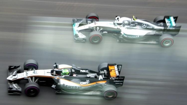 هاميلتون يفوز بسباق النمسا وسط صيحات استهجان