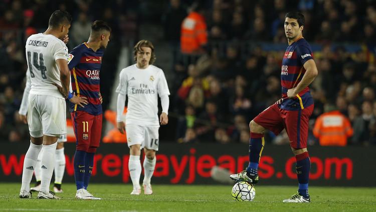 ريال مدريد وبرشلونة يعيدان مساعدات مالية
