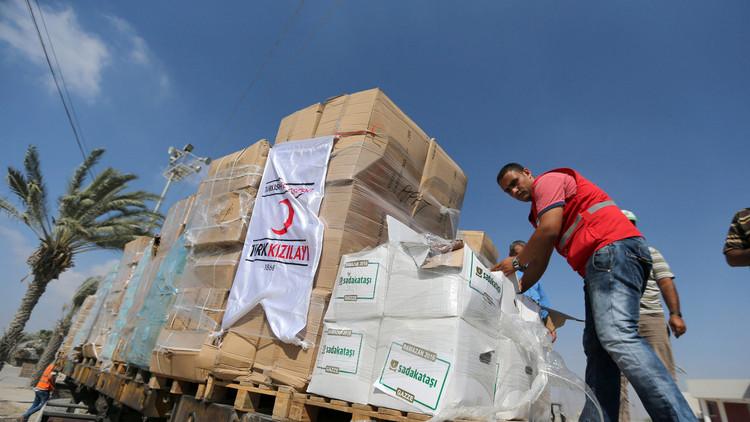 وصول أول شاحنة مساعدات إنسانية تركية إلى غزة