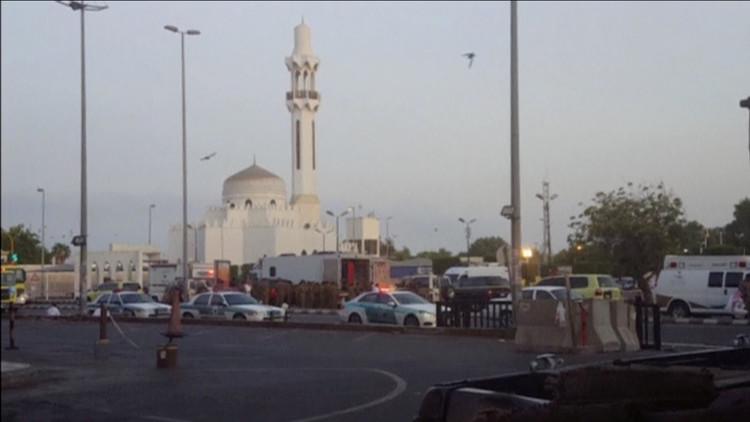 مقتل 4 رجال أمن وإصابة 5 في تفجير انتحاري قرب الحرم النبوي
