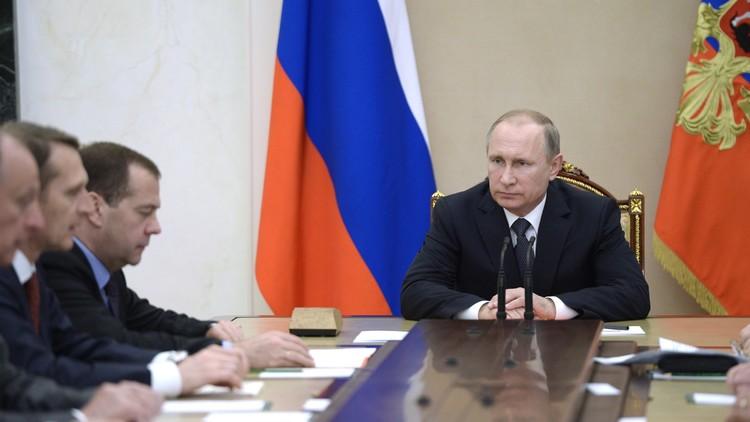 بوتين يبحث إجراءات تعزيز الثقة في سماء البلطيق