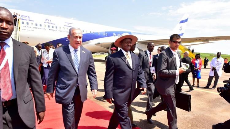الرئيس الأوغندي خلط بين إسرائيل وفلسطين أمام نتنياهو!
