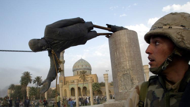 مشارك في تحطيم تمثال صدام: أنا نادم وأتمنى أن يعود