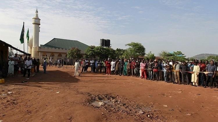 9 قتلى بهجوم انتحاري استهدف مسجدا في نيجيريا
