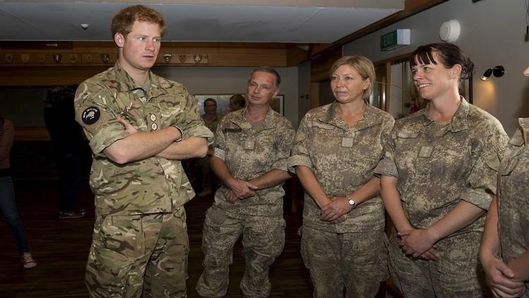 بريطانيا ترفع الحظر عن مشاركة النساء في المعارك