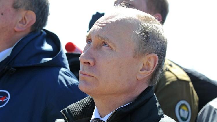 قسّ بلطيقي يتنبأ لبوتين بما تخفيه الأيام لروسيا