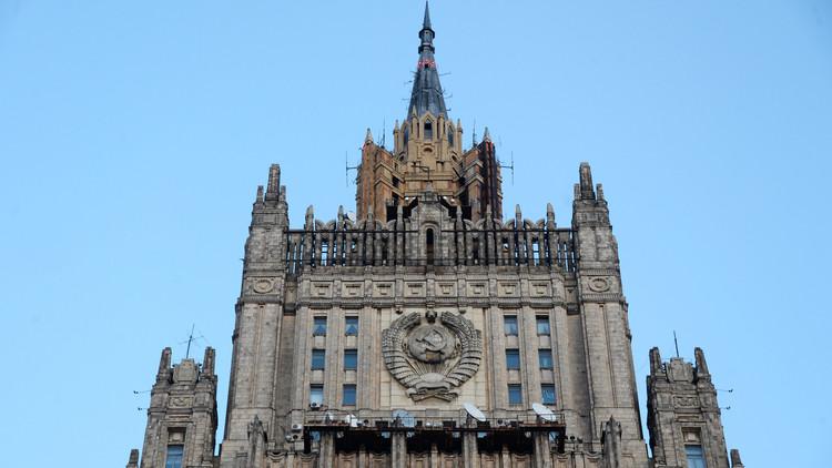 موسكو ترد بالمثل وتطرد 2 من الدبلوماسيين الأمريكيين