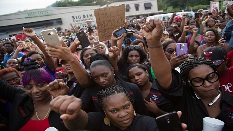 اعتقال 74 متظاهرا في الولايات المتحدة