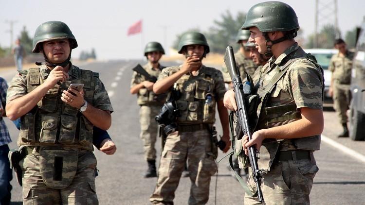 مقتل 4 جنود أتراك بتفجير عبوة ناسفة جنوب شرق البلاد