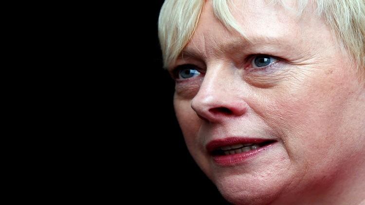 مرشحة لزعامة حزب العمال تتهم كوربن بـ