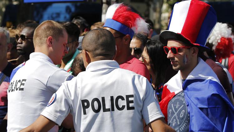 يورو 2016 .. إخلاء المنطقة المحيطة بمنتخب فرنسا !!