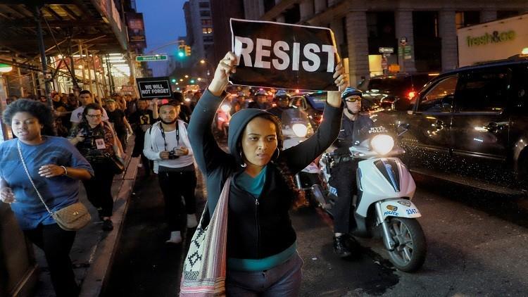 الشرطة الأمريكية تعتقل 200 محتج مع تصاعد التوتر