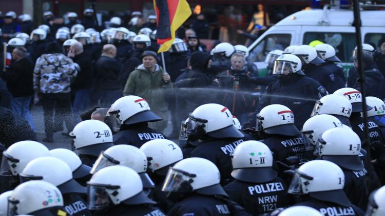 اشتباكات عنيفة بين الشرطة ومتطرفين في ألمانيا