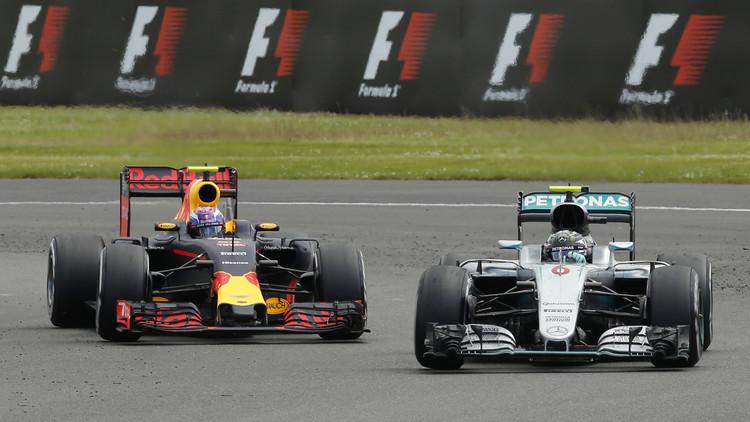 روزبرغ يتراجع للمركز الثالث في سباق بريطانيا