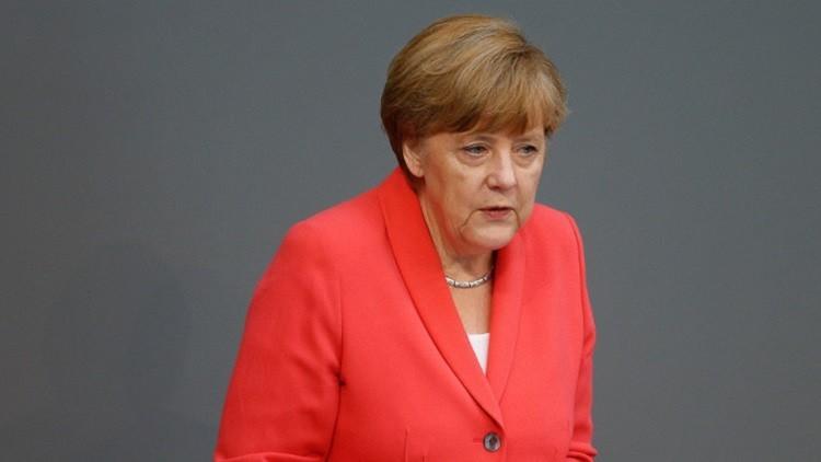 ميركل تقرّ برغبتها في رفع العقوبات عن روسيا