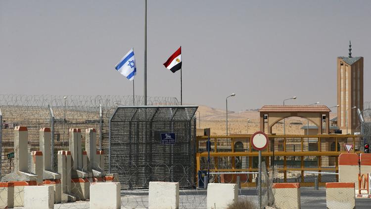 إسرائيل تنفي قيامها بنشاطات عسكرية في سيناء