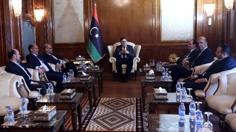 حكومة الوفاق الليبية تتسلم مقر الحكومة بطرابلس