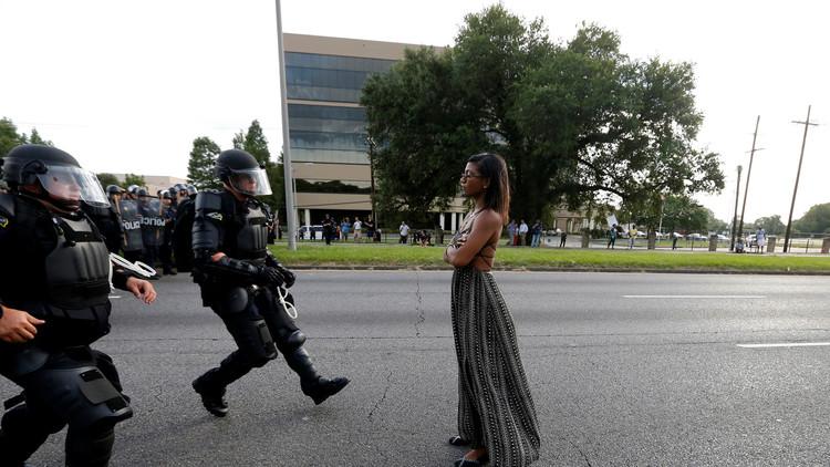 لماذا أصبحت هذه الصور حديث وسائل الإعلام العالمية؟