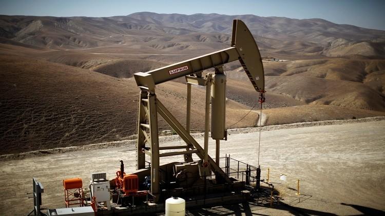 النفط يصعد معوضا بعض خسائره