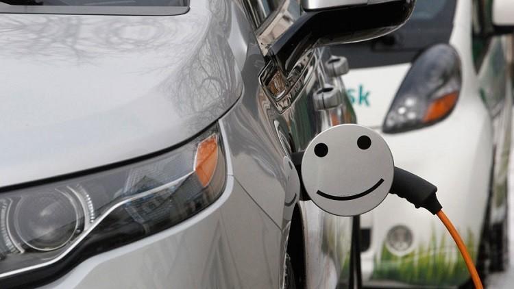 روسيا تلغي الرسوم الجمركية على السيارات الكهربائية