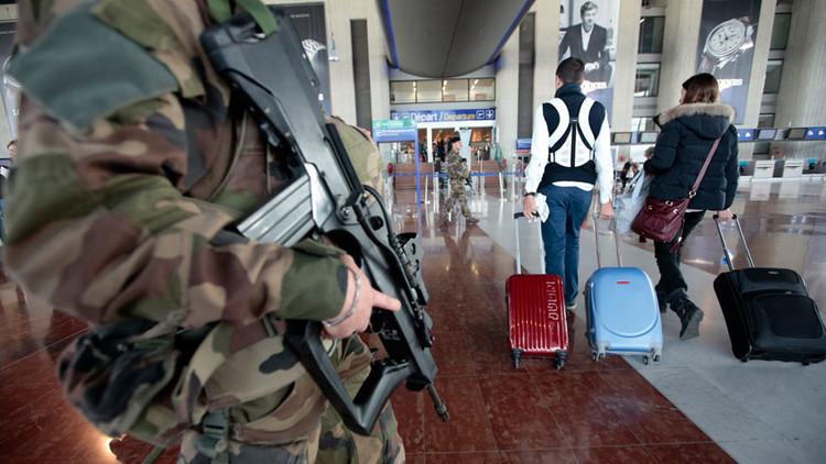 إخلاء أحد أجنحة مطار نيس في فرنسا