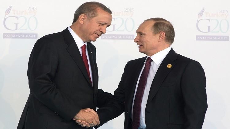 بوتين يعزي أردوغان بضحايا محاولة الانقلاب