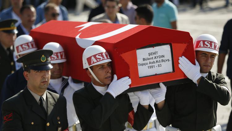 الخارجية التركية: أكثر من 290 قتيلا في محاولة الانقلاب