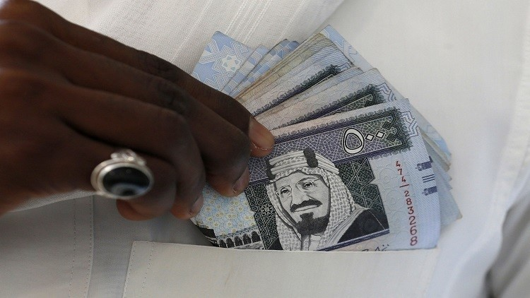 الملك السعودي يصرف مكافأة لطلاب المملكة في مصر