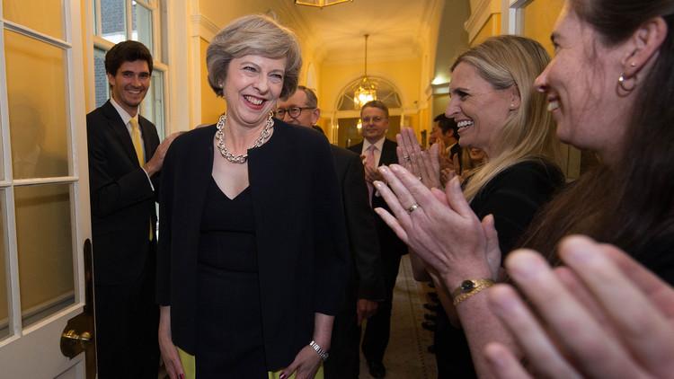 رئيسة وزراء بريطانيا: مستعدة لإعطاء أمر بتوجيه ضربة نووية قد تقتل مئات آلاف الأبرياء