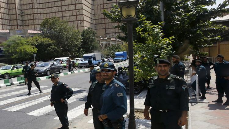 اعتقال 80 أفغانيا في حفلة صاخبة بإيران