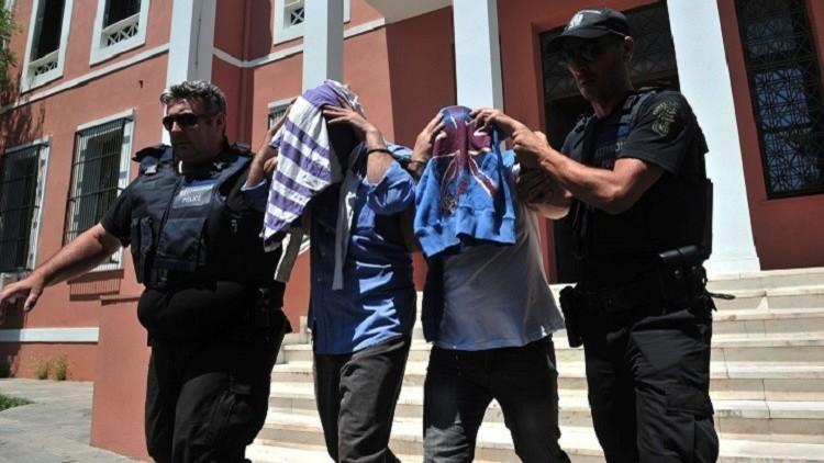 محامية: الجنود الأتراك الفارون إلى اليونان يخشون على حياتهم