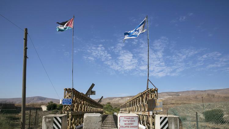 الجيش الإسرائيلي يضبط أسلحة مهربة من الأردن تجاه الضفة الغربية