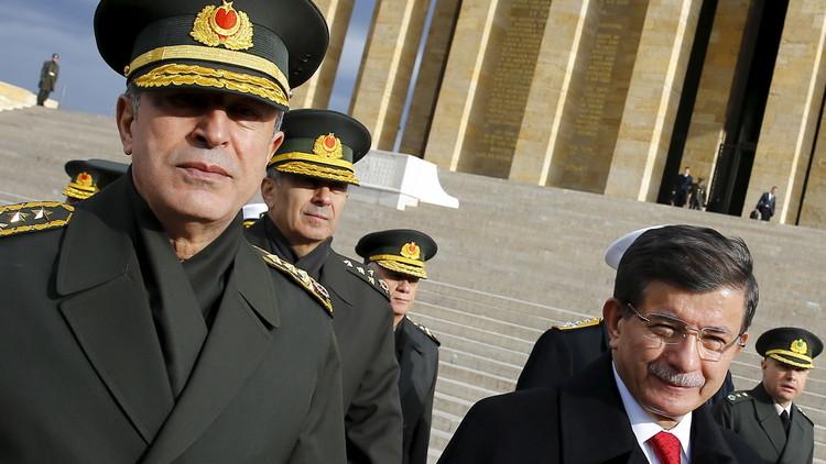 تركيا تحاكم ثلث جنرالاتها